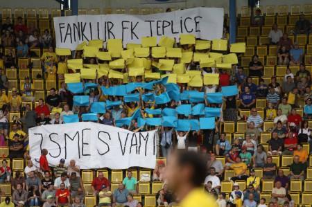 kartoniáda Fanklubu FK Teplice při zápase s Boleslaví