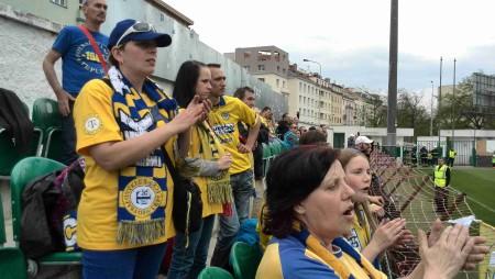 fans 1